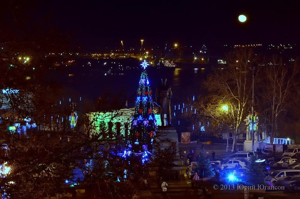 Вечерний Севастополь перед Новым годом.