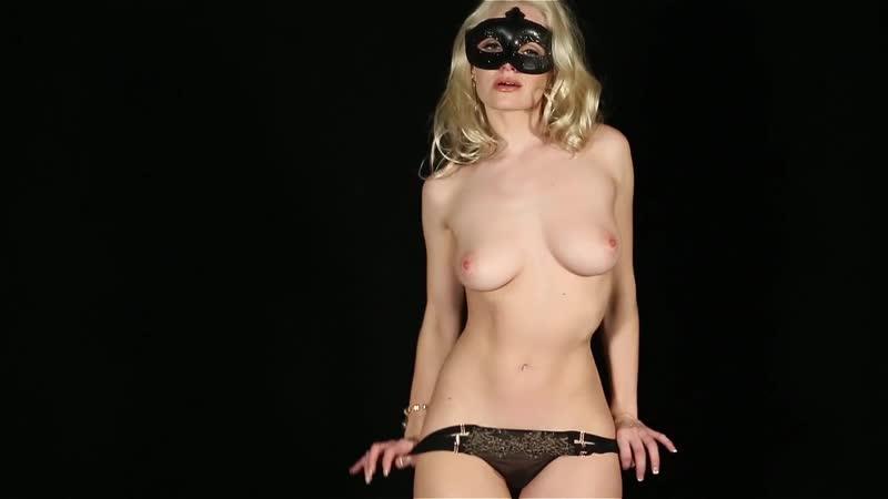 14. Liz Ashley Striptease