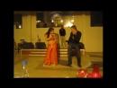 Этот Русский турист сделал восточную девушку по танцам. Вот КРАСАВЧИК