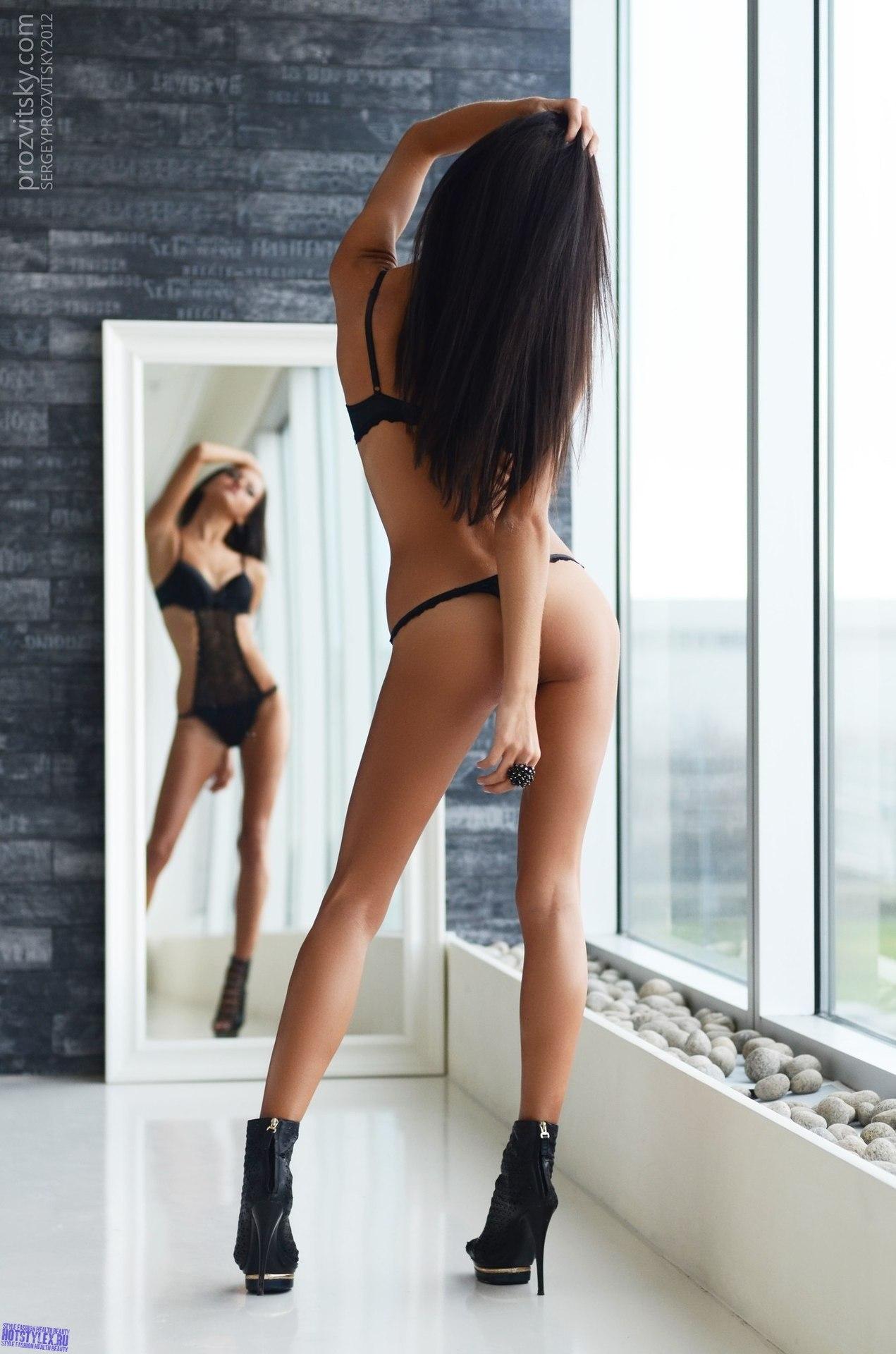 фотографии девушек со спины вид сверху