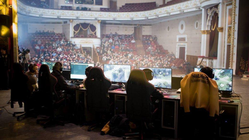 Директор театра в Киргизии сдал в аренду помещение под турнир по Dota 2. И его уволили