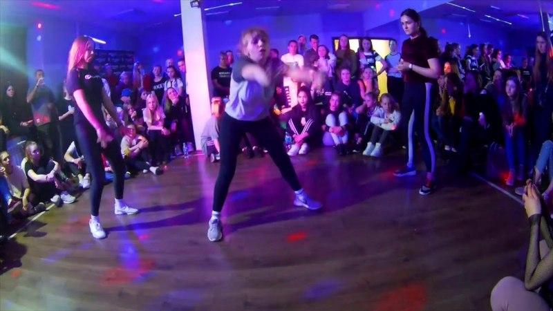 BOMBOCLAAT PARTY DANCEHALL BEGINNERS BATTLE 1 8 KAMILA VS KATIA VS PRO NASTIA