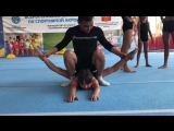 Растяжка акробатов в поперечный шпагат _ Stretching acrobats into a cross-twine