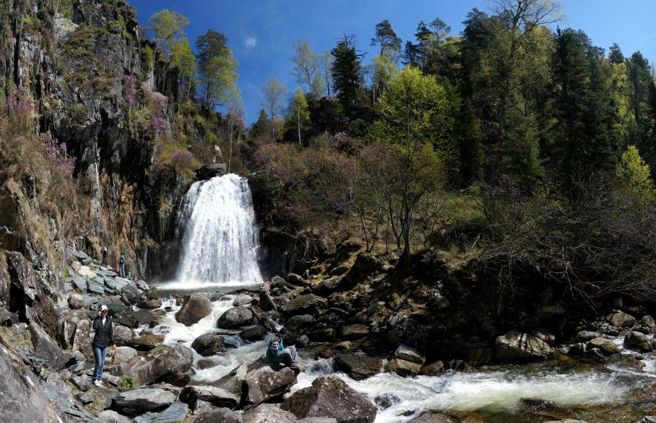 Водопад Телецкое озеро