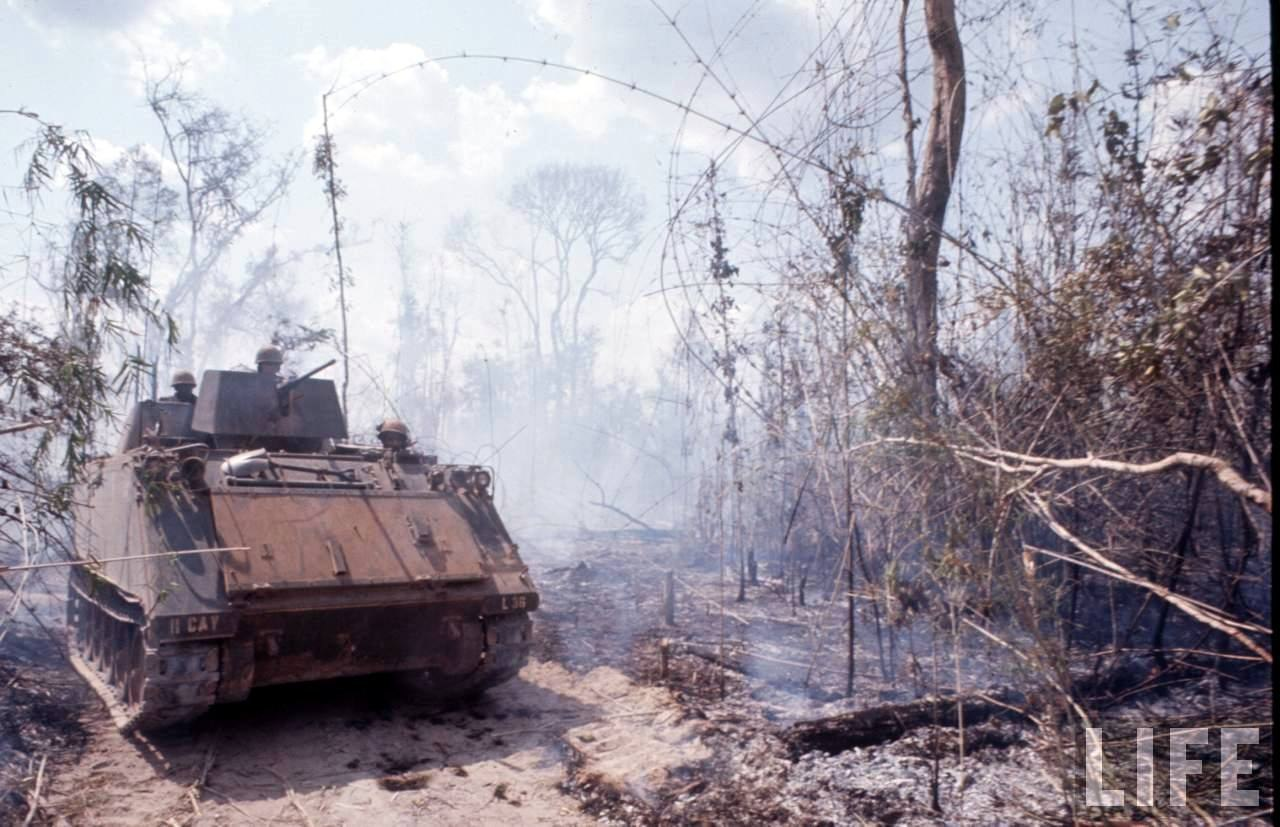 guerre du vietnam - Page 2 Jbhbj8jouOw