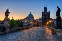 Пражский град и самый маленький город Центральной Европы Рабштейн.  Здесь проживает всего полтора десятка человек.