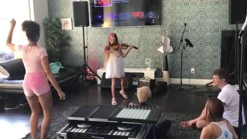 Despacito - Violin cover by Karolina Protsenko - 9 years old violinist