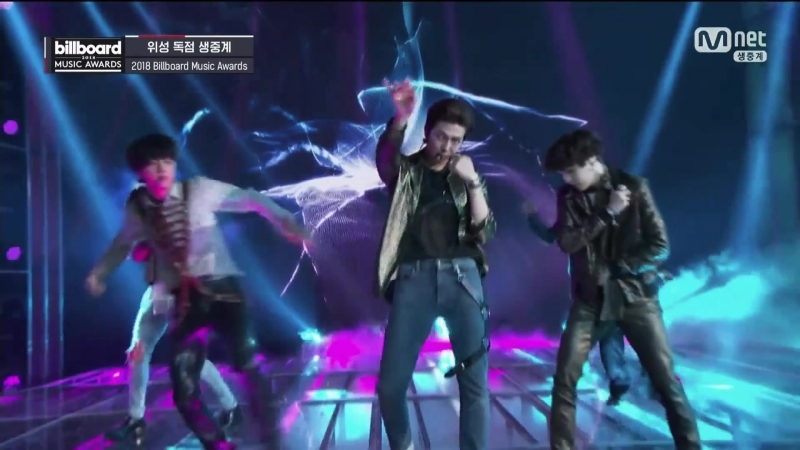 BTS -FAKE LOVE_BBMAs2018.mp4