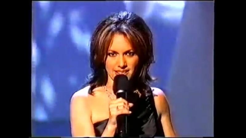 Susanna Hoffs - A Fool In Love (Live at Oscar 2000)