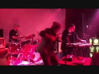 Starcardigan - Electrosemafour (Temple Bar Beijing live)