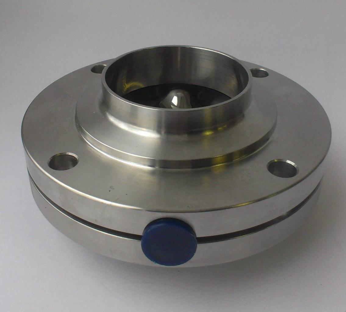 2 сопоставленых фланца заслонки Inoxpa с диском внутри