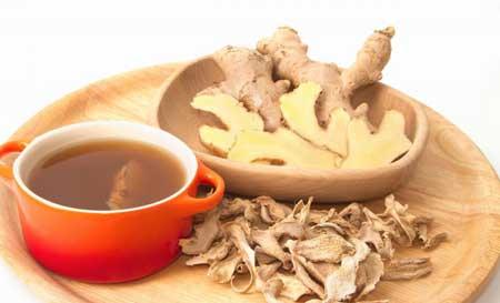 Имбирный чай или сырой имбирь помогают успокоить расстройство желудка