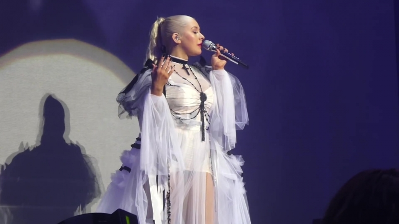 Christina Aguilera - Unless Its With You (MGM Harbor Oxon Hill, MD 30.09.2018)