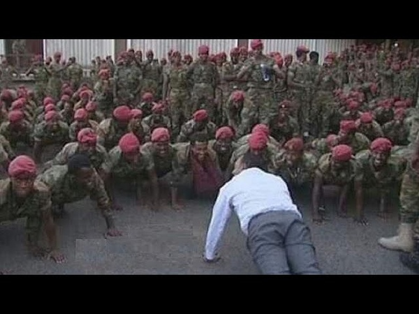 Photo Ethiopia PM relives his military days with protesting soldiers