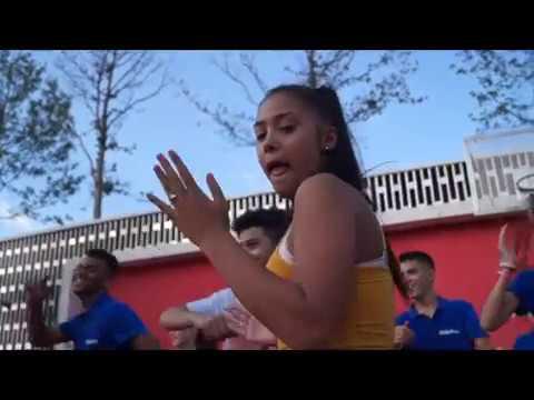 Танцевальный флешмоб гостей из Карлсруэ