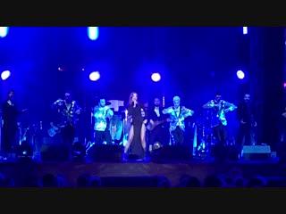 Выступления Натальи Подольскои на новогоднем музыкальном фестивале в Абу-Даби ()
