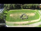 Экологический флэшмоб, 500 человек создали на школьном стадионе в Одинцово знак переработки