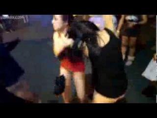 Drunk Asian chicks get into a crazy bitch fight