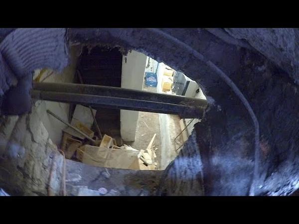 Что скрывается под решётками? Подвалы или же те самые засыпанные 1е этажи?