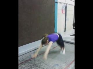 Акробатика на батуте от спортсменов команды Шторм