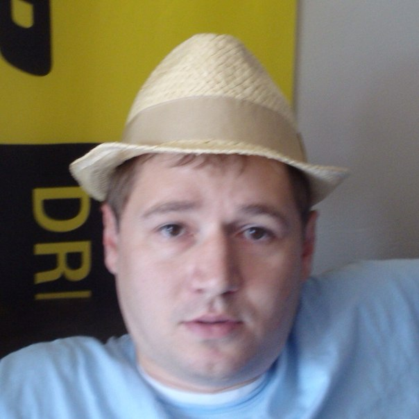 <b>Aleksandr Ganetski</b> updated his profile picture: - m4H4xw-1LaU