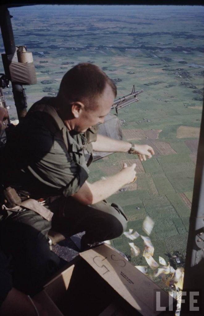 guerre du vietnam - Page 2 Q_VzlPajf80