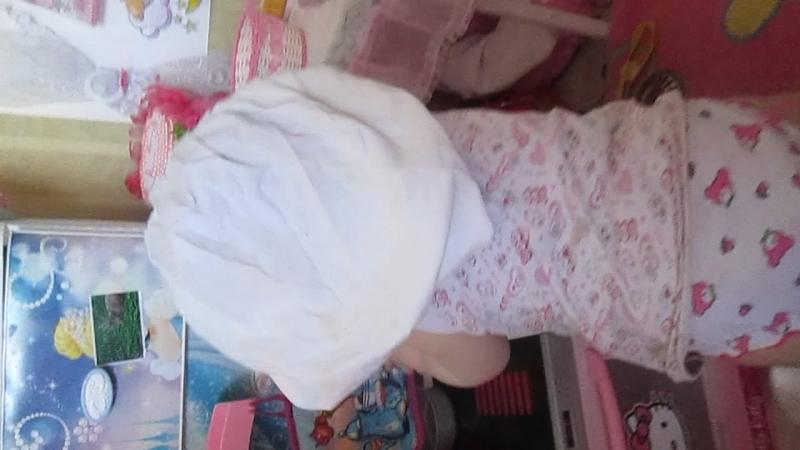 Катюшка добралась до Викуськиных игрушек Наш маленький поварёнок