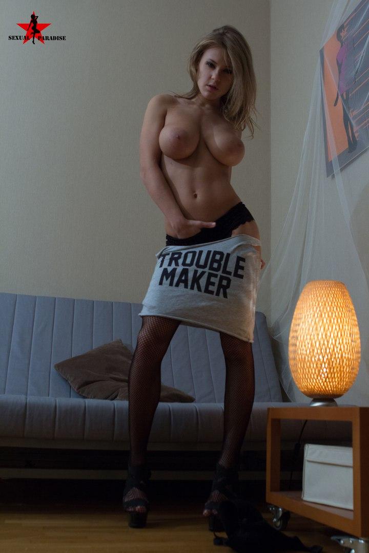 Cute next door girl webcam strips