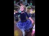 Клубный танец отеля