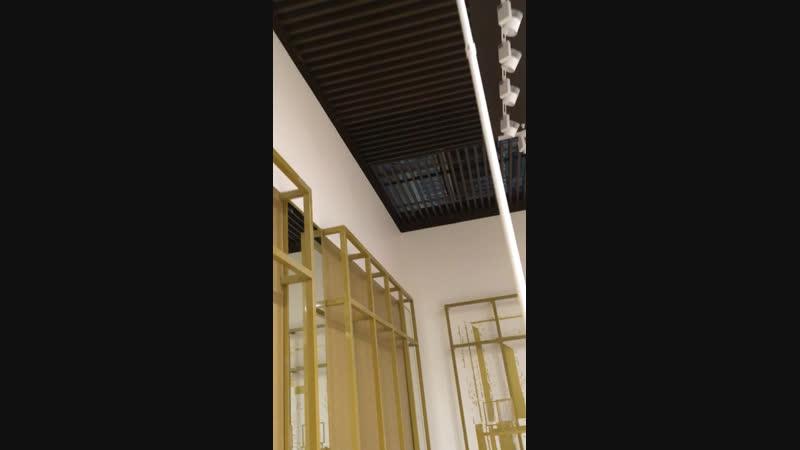 Реечный потолок в Меге