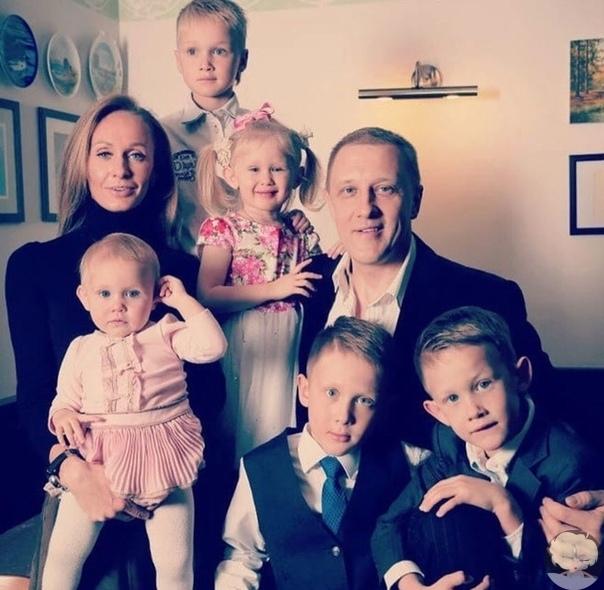 Счастливая и красивая семья Сергея Горобченко
