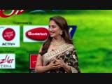 Мадхури Дикшит в передаче Chala Hawa Yeu Dya. Продвижение фильма