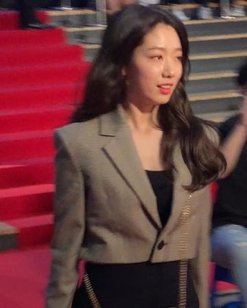 "Kyonu.Kim 🇰🇷🇰🇷🇰🇷 on Instagram ""박신혜 영화 창궐 할로윈나이트시사회 (20181018) 🎥🎥12790"
