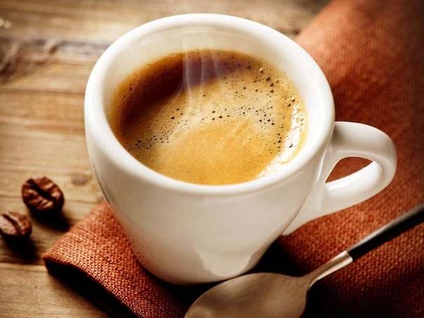 Разница между американо и эспрессо Пить кофе, причем не растворимый, а сваренный по всем правилам, в последнее время стало весьма модным: об этом свидетельствует появление большого количества