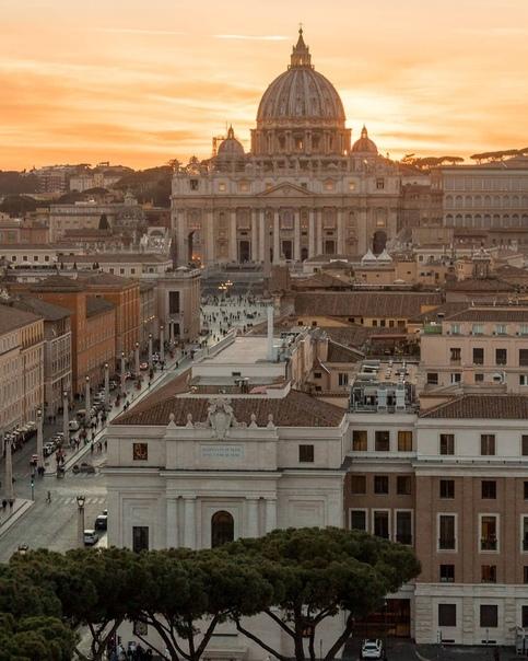 Закат в Риме  просто огонь.