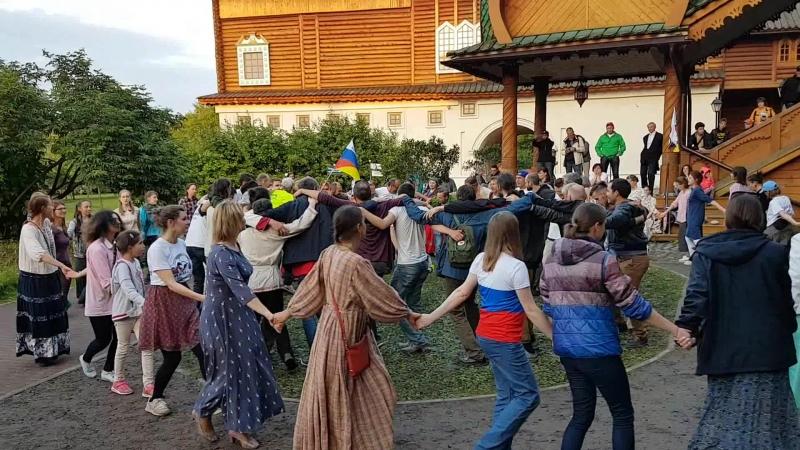 Хоровод с Иван Цареаичем на музыкальном фестивале дружбы Планета друзей 12 июня 2018