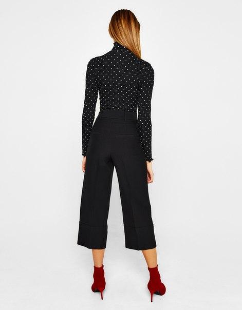 Широкие укороченные брюки