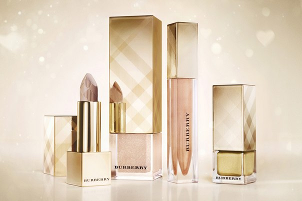 Следите за бьюти новинками? Тогда это информация для вас! Компания Burberry выпустила новую рождественскую  косметическую коллекцию в золотых оттенках!