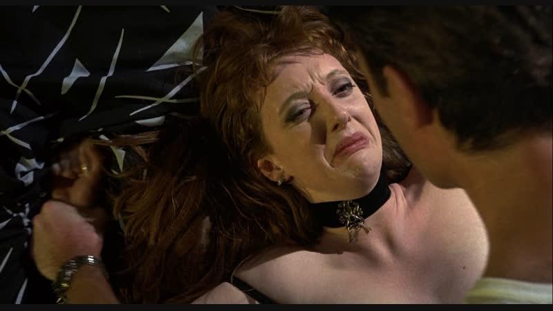 сцены сексуального насилия(изнасилование,rape) из фильма: Naked(Обнаженные) - 1993 год
