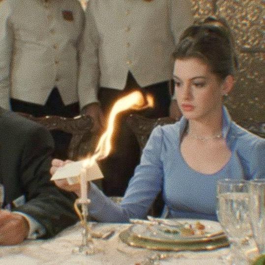 Энн Хэтэуэй в фильме Дневники принцессы, 2001