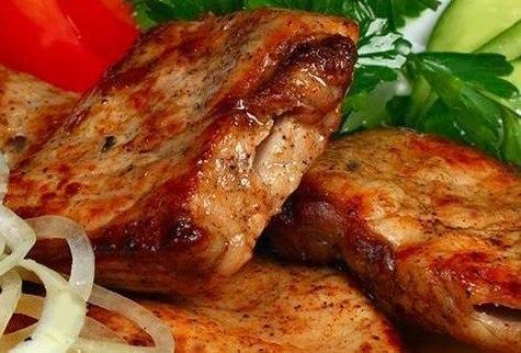 Вкусный, сочный, ароматный шашлык в мультиварке!!! Ингредиенты: - 1 кг мяса (телятина, свинина, филе курицы или индейки - на ваш вкус) - 4 головки репчатого лука Читать рецепт полностью..