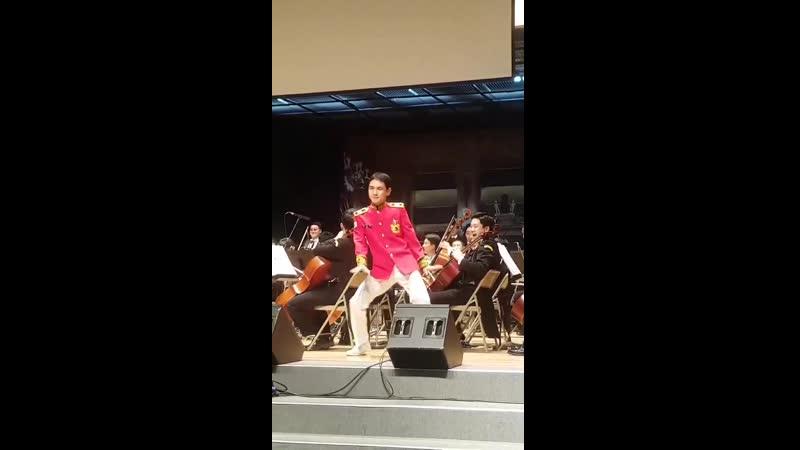 190627 Кибом на мероприятии военного оркестра танцует Ring Ding Dong