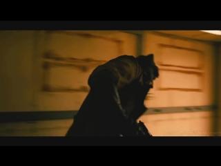 Брюсу снится кошмар. Флэш из будущего. Бэтмен против Супермена- На заре справедливости..mp4