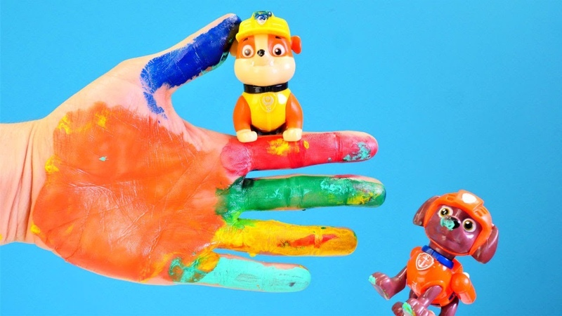 Paw Patrol parmak boyaları ile renkleri öğreniyor