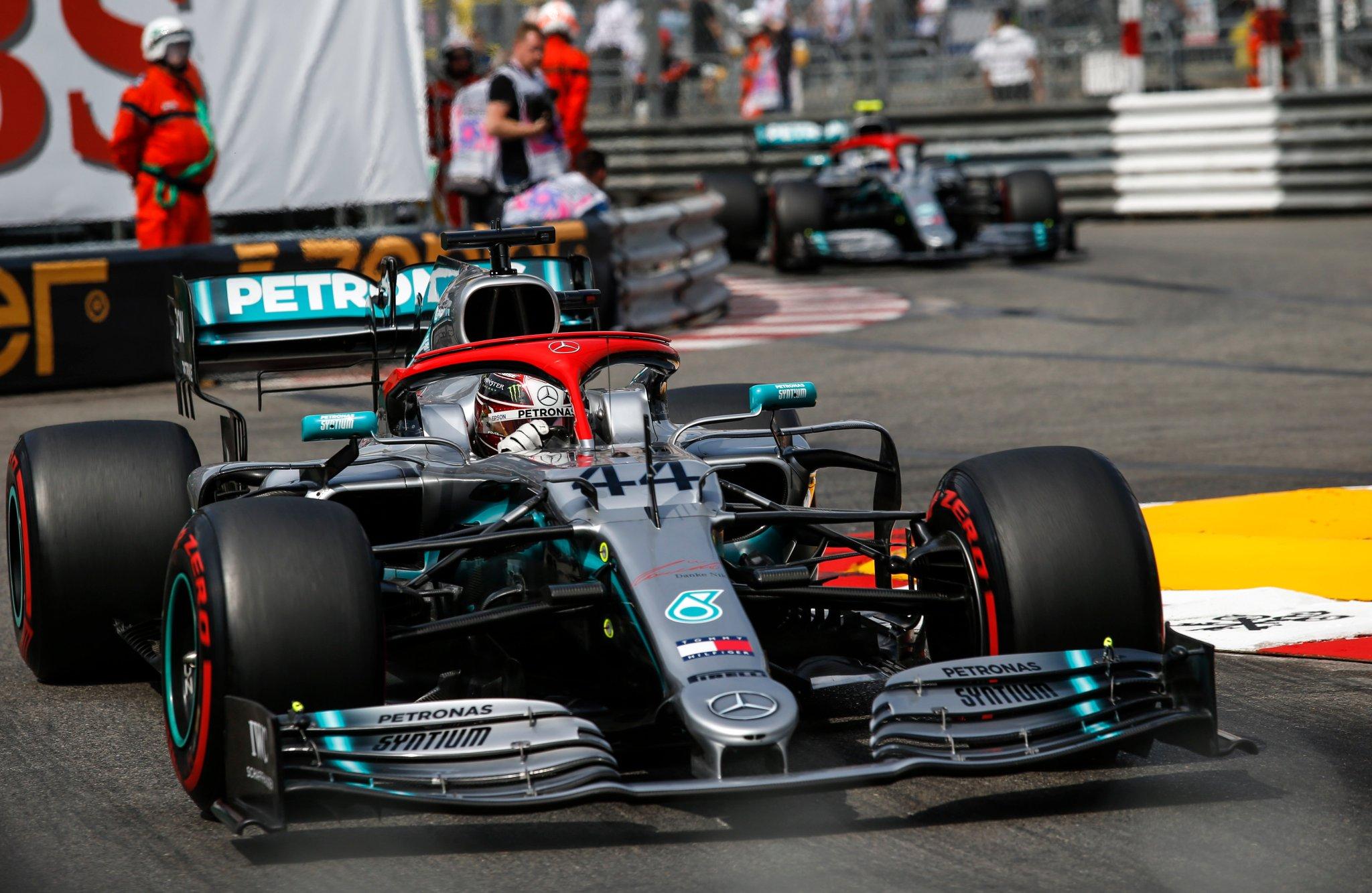 По итогам шести гонок сезона Mercedes опережает Ferrari уже на 118 очков