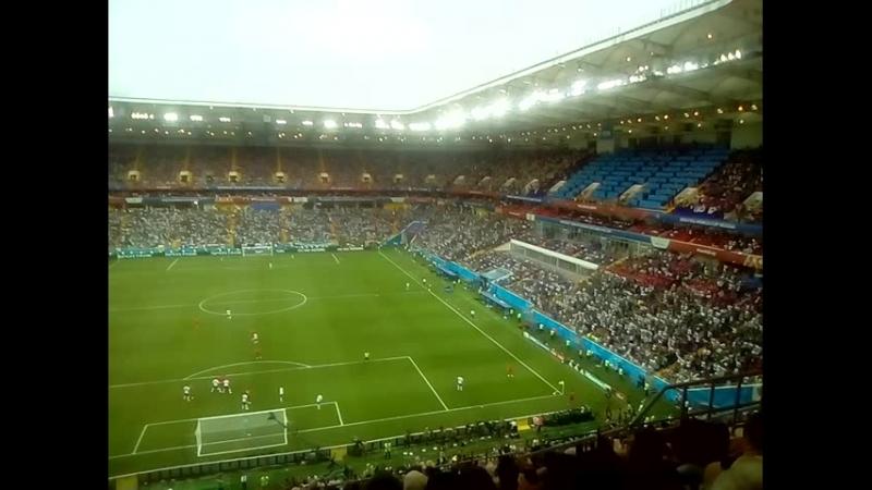 Мексиканцы поддерживают свою сборную.