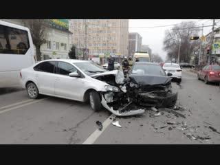 Массовое ДТП в Ростове виновник показал удостоверение и скрылся