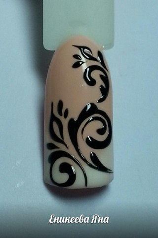 Дизайн ногтей фото завитушки