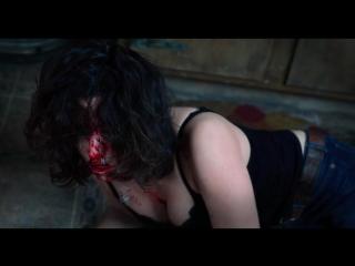 На глазах у мужа избивает и заставляет жену сосать  (секс сцены принуждения в фильмах)
