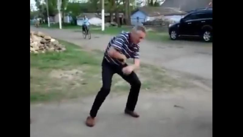 Для хорошего настроения не помешает немного танца!